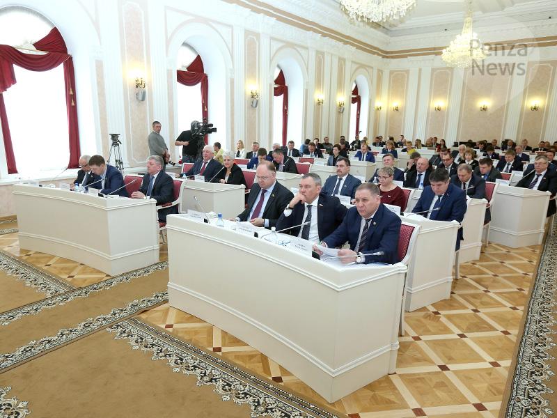 Народные избранники пензенского ЗакСобра отчитались одоходах за2016 год