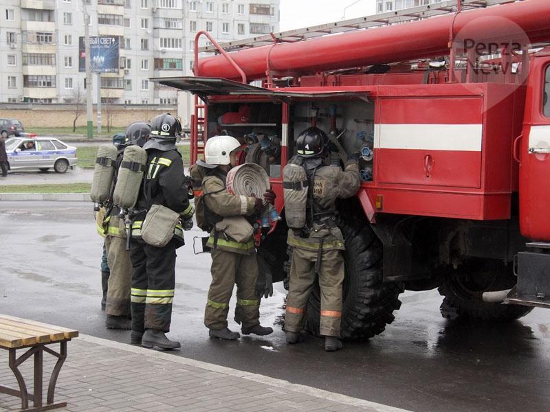 НаМосковском проспекте гасят крупный пожар вресторане «Тимьян»