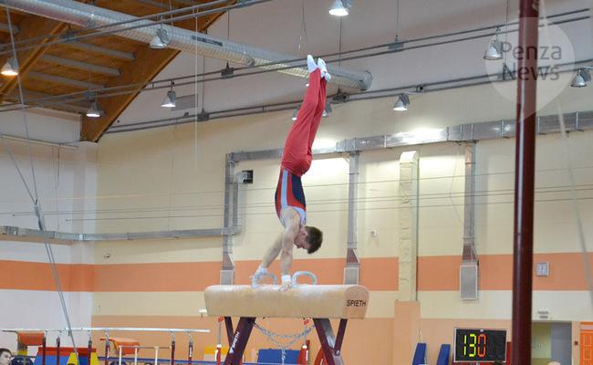Пензенский гимнаст в составе команды ПФО завоевал «золото» первенства России