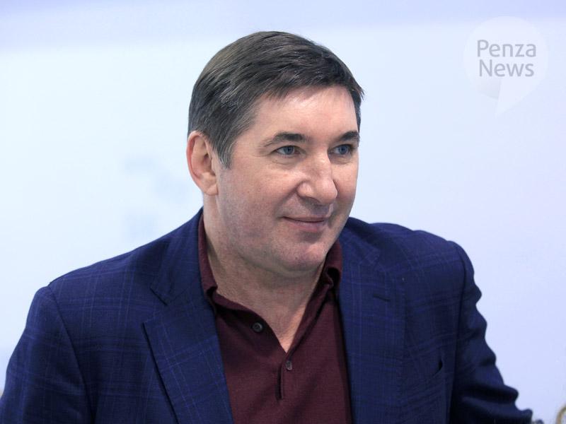 ВПензу прибыл 2-кратный олимпийский чемпион похоккею Александр Кожевников