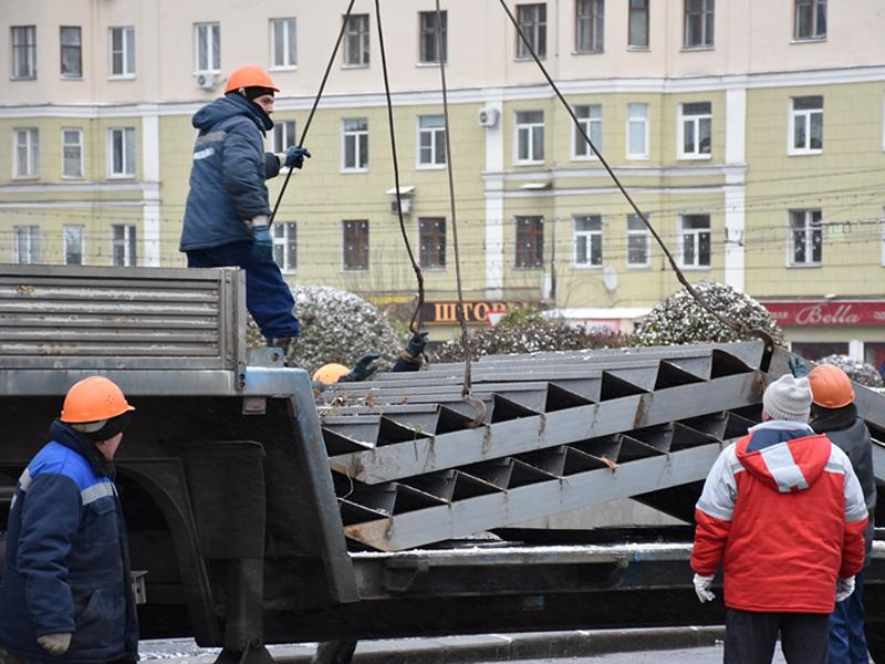 ВПензе наплощади Ленина началось строительство «Зимнего городка»