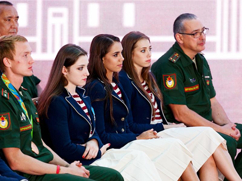 Шойгу присвоил войсковые звания олимпийским чемпионам изЦСКА