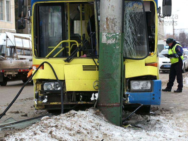 В трагедии савтобусом пострадали три женщины— ГИБДД