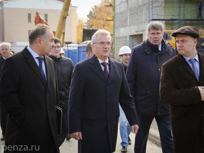 Строителям перинатального центра вПензе задолжали 117 млн руб.