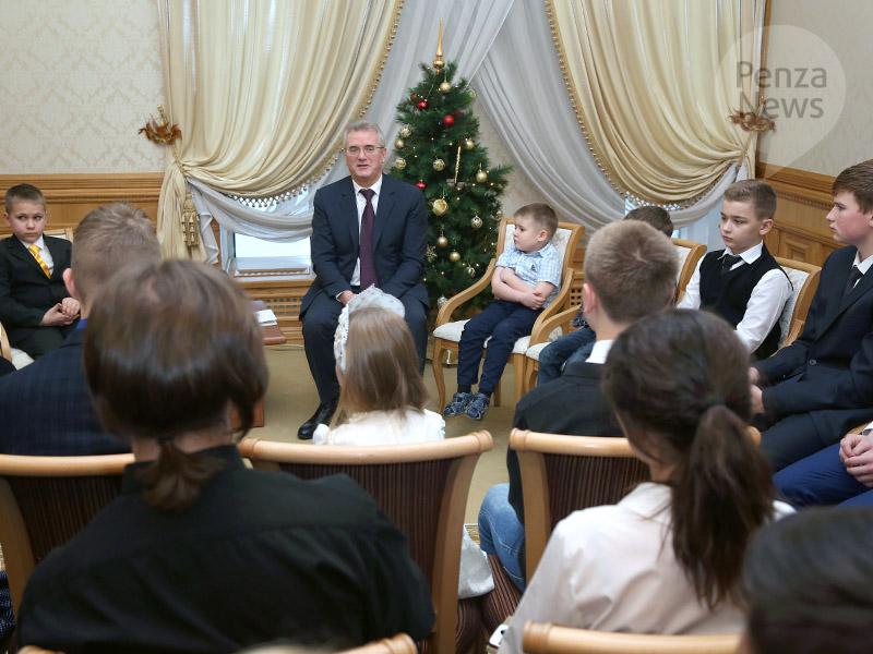 Иван Белозерцев лично ответит навопросы 35 детей
