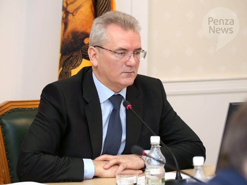 Медиалогия: Валерий Радаев сохранил позиции вТОП-10 глав регионов