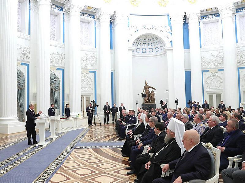Путин наградил губернатора Ямала орденом Почета