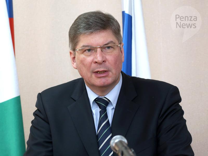 Калужские приставы загод взыскали сдолжников 2,4 млрд руб.