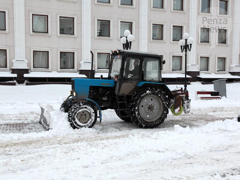 Сулиц Пензы вывезено около 2 тыс. кубометров снега