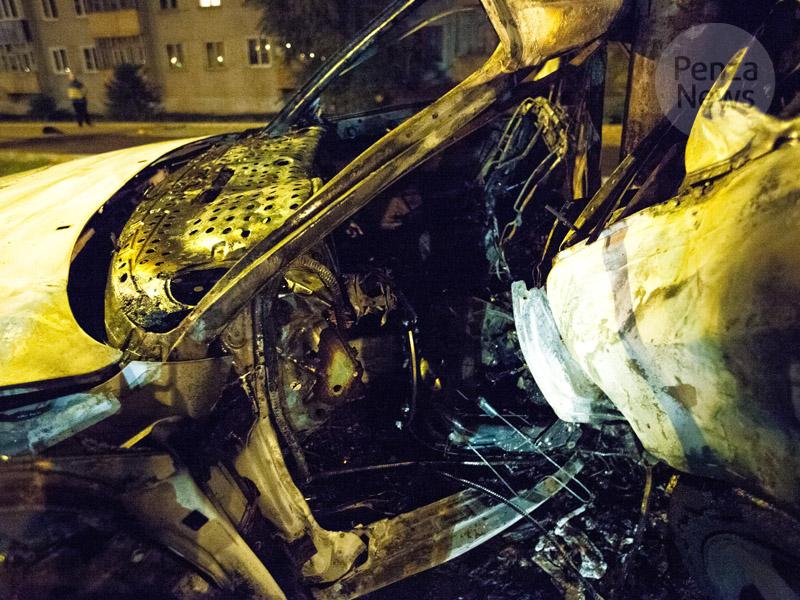 Под Пензой автобус зажегся после столкновения слегковушкой, умер человек