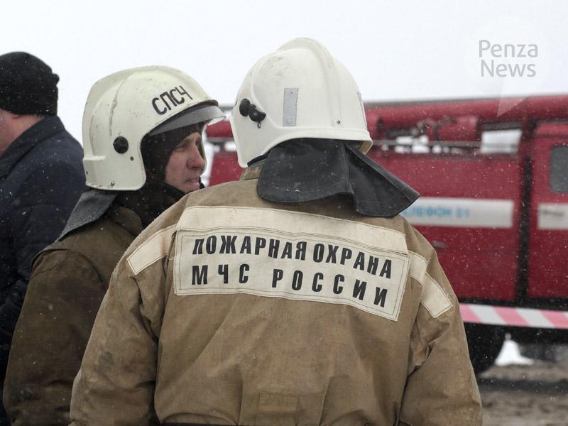 Под Пензой вДТП с фургоном илегковушкой погибли три человека
