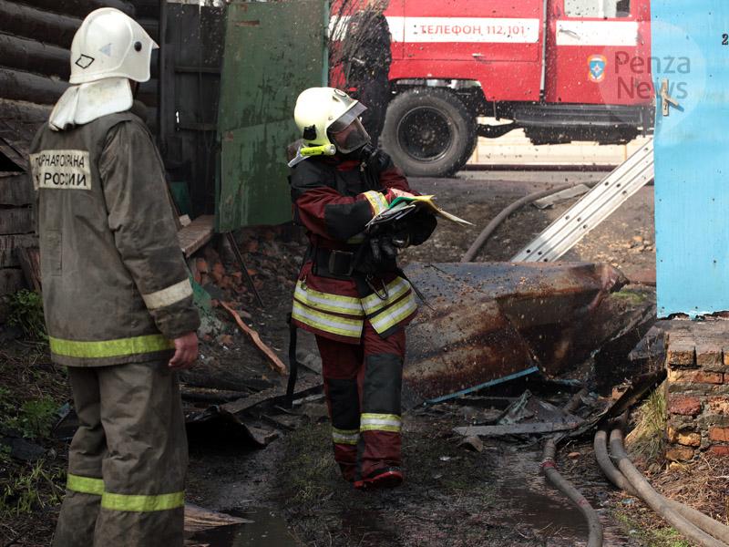 ВПензе 12 пожарных тушили загоревшуюся кухню