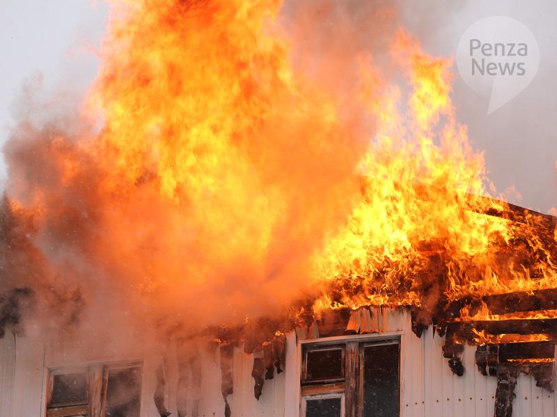 Молодая женщина пострадала впожаре вСердобске