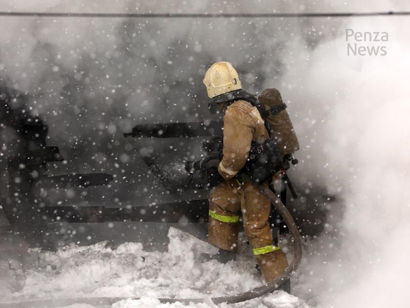 ВПензе наулице Вадинской впожаре умер мужчина
