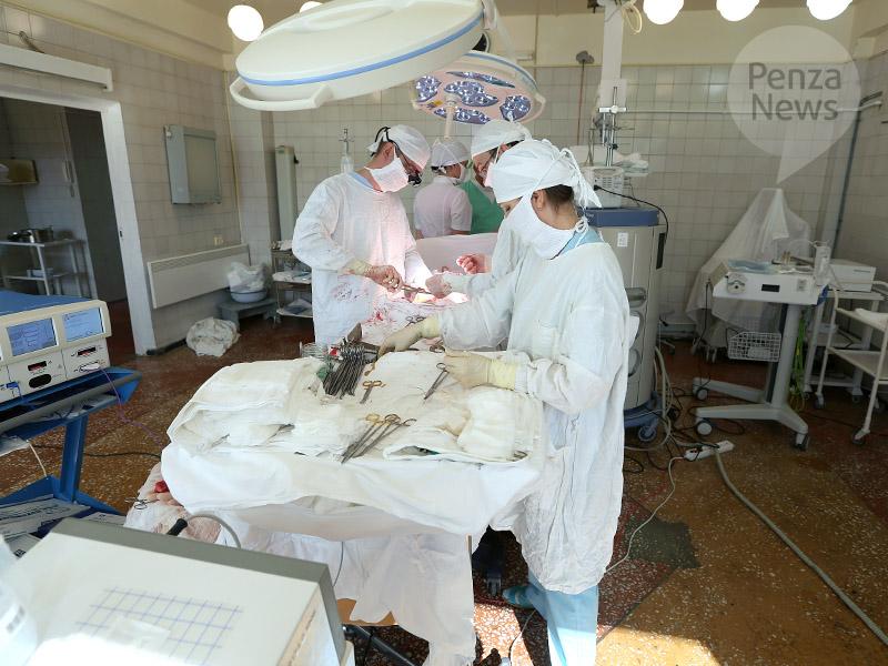 ВПензе онкологи провели неповторимую 11-часовую операцию поудалению огромной опухоли