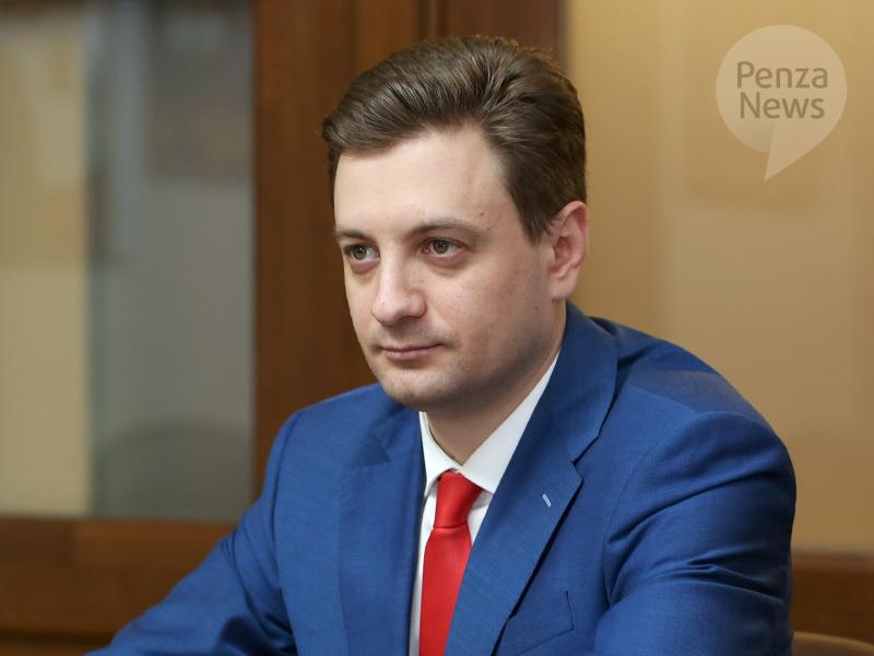 Камнев выступает за широкое обсуждение программ кандидатов на пост мэра Пензы