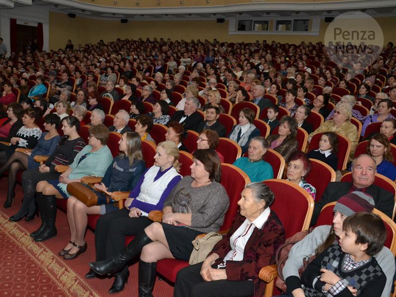 Иван Белозерцев пригласит 400 матерей наспектакль